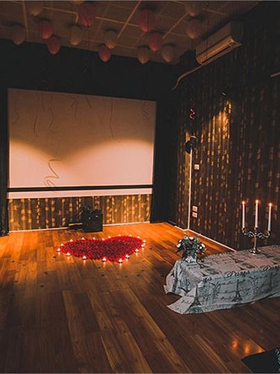 Cafe phim -địa điểm hẹn hò lí tưởng dành cho các cặp đôi sau khoảng thời gian xa cách