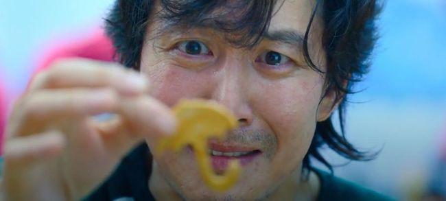 trò chơi tách kẹo dalgona trong squid game