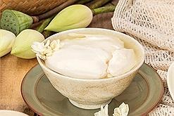 Tào phớ - đồ ăn vặt ít calo cho buổi xế đầu thu chỉ từ sữa fami và bột rau câu