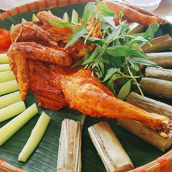 Đi tứ xứ năm châu bốn bể cũng không thể sánh bằng cơm Việt dân dã mà ngon