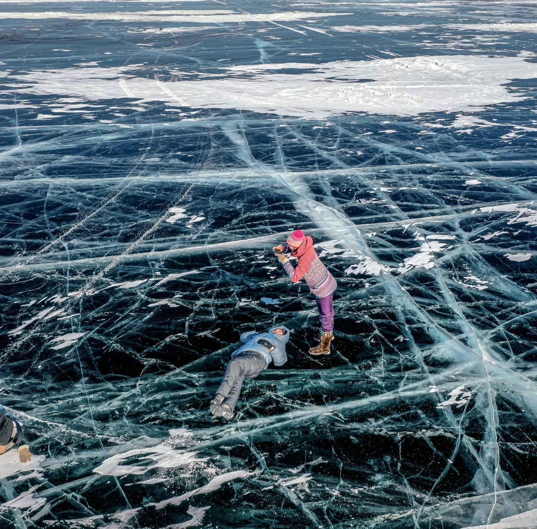 """Hồ Baikal lãng mạn thế nào mà """"góp mặt"""" trong bộ phim đình đám Hometown Cha-Cha-Cha?"""