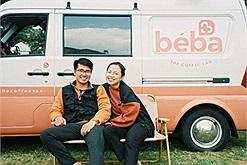 Cặp vợ chồng trẻ gây sốt Đà Lạt với căn nhà cà phê di động, vừa du lịch vừa kinh doanh thỏa thích