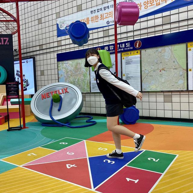 Mô hình trò chơi sinh tồn thu hút lượng lớn du khách đến tham quan, check in
