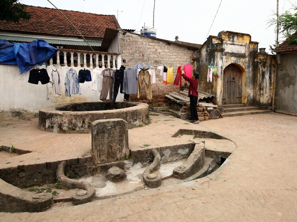 Giếng cổ tại Đường Lâm